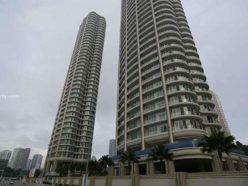 Oval Condominium
